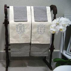 Finos Guest towel de alogodon y lino. Bordados a tu elección. Diferentes tonos a elegir.