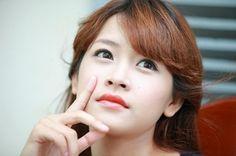 Chỉnh sửa mũi bị hếch đang là một trong những nhu cầu làm đẹp cấp thiết của hơn 30% người dân Việt. Bởi mũi hếch không chỉ làm ảnh hưởng xấu đến thẩm mỹ của gương mặt, mà theo quan niệm của Nhân tướng học, người bị mũi hếch là người thường gặp nhiều khó khăn, thiệt thòi trong cuộc sống.