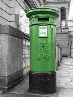 Check out this wonderful picture of an Edward Regina Postbox near City Hall. Posted by @OldDublinTown