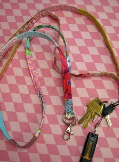 Weekend Project — How to Make a Lanyard - Craftfoxes
