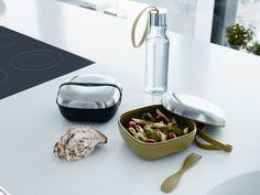 Kreativ und edel! Die Lunchbox von Eva Solo dient gleichermaßen als Schüssel und ist mikrowellengeeignet.