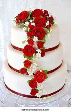 DIY for U - by Ale: matrimonio gateau mariage Fancy Cakes, Mini Cakes, Cupcake Cakes, Amazing Wedding Cakes, Amazing Cakes, Pretty Cakes, Beautiful Cakes, French Wedding Decor, Red Cake