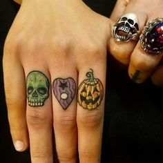 Halloween Tattoo designs considered as attractive tattoo. Ink your self with Festive tattoo Pumpkin Tattoos and many more on halloween day. Tattoo Life, 1 Tattoo, Piercing Tattoo, Chest Tattoo, Piercings, Knuckle Tattoos, Finger Tattoos, Body Art Tattoos, Cool Tattoos