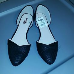 Charlotte Russe flats New never used. They just fit a bit tight on me Charlotte Russe Shoes Flats & Loafers