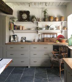 Devol Shaker Kitchen, Devol Kitchens, New Kitchen Cabinets, Home Kitchens, Wooden Worktop Kitchen, Wooden Kitchen Floor, Stone Kitchen Floor, Kitchen Flooring, Kitchen Furniture