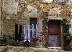 Laundry day in Serre di Rapolano, Italy #Tuscany #travel