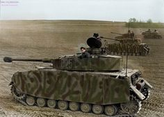 Panzer IV ausf H somewhere in France, 1944. I hope you like the colourisation, don't forget to tell what you think about it and about the Panzer IV. Its always a pleasure to color for you. ———————— Panzer IV Ausf H quelques part en France, 1944....