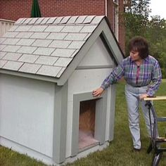 Build your dog a home of their own with these free dog house plans that include diagrams, photos, building instructions, and materials/cut lists. Diy Art Projects Canvas, Diy Garden Projects, Diy Wood Projects, Build A Dog House, Dog House Plans, Puppy House, Dog Runs, Animal House, Dog Houses