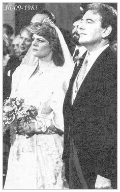 Princess Elena of Romania, sister to Crown Princess Margareta and daughter to King Michael of Romania, married Dr Leslie Robin Medford-Mills in September 1983, and describes herself as 'former Princess'.