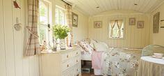 Inside bedroom Gabriel in Kent