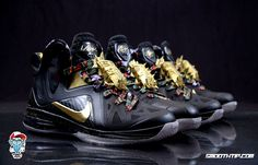 Image from http://cdn.sneakernews.com/wp-content/uploads/2013/03/nike-lebron-9-elite-watch-the-throne-customs-5.jpg.