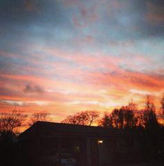 Ik hou ervan om fotos te nemen van de mooie zonsopgangen/ondergangen. Dit is een van mijn foto's die ik laatst heb gemaakt