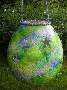 lantern made from tissue paper and a balloon DIY #lanterns