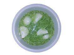 Okurkový salát s cibulí | Univerzální nálev | Bez pálení žáhy! Pickles, Cucumber, Food And Drink, Ethnic Recipes, Pickle, Zucchini, Pickling