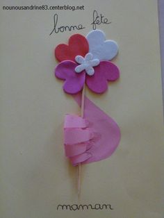 activité manuelle : fête des mères Diy And Crafts, Crafts For Kids, Arts And Crafts, Pinterest Crafts, Christmas Crafts, Christmas Ornaments, Art Education, Kids And Parenting, Projects To Try