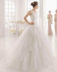 Noivas altas: os 30 vestidos que não vai querer perder Image: 21