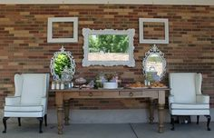 Love this set up for an entry way