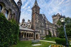 They've done it again, folks! The University of Toronto has been ranked the best school in Canada, according to the Times Higher Education World Re. Toronto Architecture, Beautiful Architecture, Summer School Programs, Most Beautiful, Beautiful Places, Concordia University, Education World, Canadian Travel, University Of Toronto