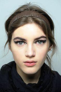 Sokak Modası Makyaj Stilleri http://www.kadincaweb.net/sokak-modasi-makyaj-stilleri #normcore #fashion #streetfashion #sokakstilleri #pfw #sokakmodası #trend #ss15 #streetstyle #jean #mfw #pfw #coolhunter #shopping #lfw #paris #istanbul #makeup