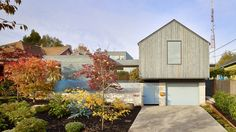 Heliotrope has completed a cedar clad house in Seattle for a young couple called Artist in Residence.