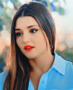 Turkish Women Beautiful, Beautiful Muslim Women, Turkish Beauty, Beautiful Girl Image, Stylish Girls Photos, Stylish Girl Pic, Cute Beauty, Beauty Full Girl, Girl Pictures