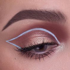 White graphic liner