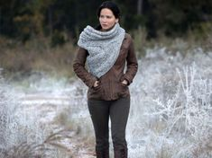 Crochet artist created Katniss's cowl from Catching Fire. katniss-catching-fire-2-537x402