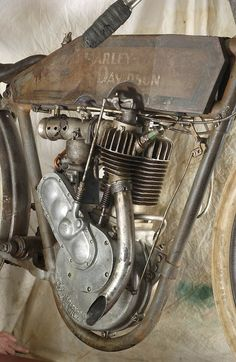 Racing Motorcycles, Harley Davidson Motorcycles, Harley Davidson Engines, Antique Motorcycles, Motorised Bike, Motorized Bicycle, Motorcycle Engine, Custom Harleys, Old Bikes