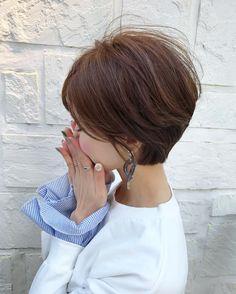YuriさんはInstagramを利用しています:「・ ・ シルバーメタルのイヤリング earring/ @soeur.du グレーっぽいマーブルの楕円の輪っかのパーツがかわいくて♡それにシルバーのパーツの組み合わせが涼しげでいいなぁ♡ ・ ・ ring/ @donobanweb #ノットリング シンプルで好き♡ ・ ・…」