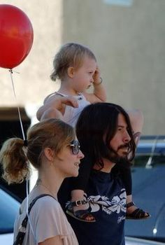 Dave, Violet & Jordyn Grohl
