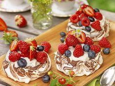 Oreo Dessert, Spaghetti Eis Dessert, Waffles, Pancakes, Oreo Cheesecake, Fudge Brownies, Fika, Frosting, Bakery