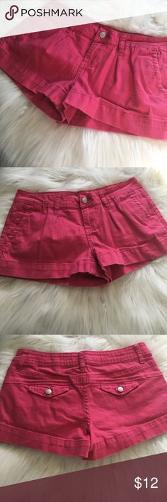 American Rag Pink Size 3 Shorts Super cute!  Pair with a nice white or Floral type and a statement necklace for a great spring outfit.  Size 3 with no stains or holes. American Rag Shorts