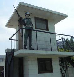 guard tower prick side single window Towers, Prison, Windows, Outdoor Decor, Home Decor, Homemade Home Decor, Tours, Decoration Home, Window