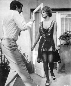 Marcello Mastroianni and Sophia Loren on the set of Ieri, oggi, domani, 1963 Vintage Stockings, Sexy Stockings, Hollywood Icons, Hollywood Glamour, Celebrities In Stockings, Sophia Loren Images, Faye Dunaway, Italian Actress, Brigitte Bardot