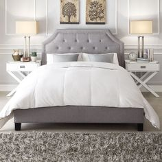 This grey linen upholstered bed adds style and elegance to your bedroom. Featuring tufted grey linen on the headboard and matching grey linen on the frame, this bed complements most any color scheme.