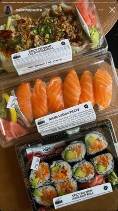Bone Apple Tea, Avocado Roll, Real Food Recipes, Healthy Recipes, Nigiri Sushi, Spicy Salmon, Good Food, Yummy Food, Food Diary