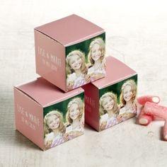 Roze kubusdoosje met eigen foto's | Tadaaz  #communie #lentefeest #doosje #foto #bedankje #roze www.tadaaz.be