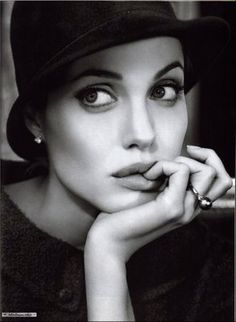Angelina Jolie - beautiful actor ! (Very few are beautiful and can act at the same time )