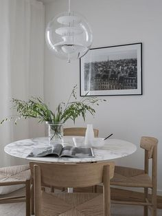 minimal, relaxed chic inside the lighthouse | @meccinteriors | design bites | #diningroom #smalldiningroom