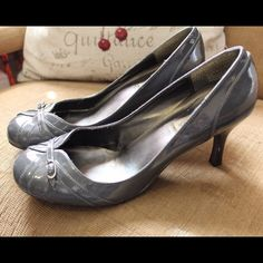 Steve Madden Patent Gray Leather Heels Retro-esk designer patent leather gray pumps, comfortable 3-inch heel, gently worn, round toe, looking for a loving home!! Steve Madden Shoes Heels