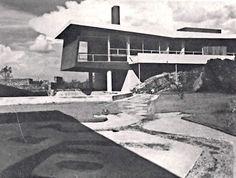 Vista desde el jardin, Casa en Pedregal, Calle del Agua 728, Jardines del Pedregal, México DF 1948 Arqs. Guillermo Rossell y Lorenzo Carrasco