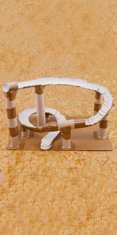 Stem Projects, Projects To Try, Adult Crafts, Diy And Crafts, Diy For Kids, Crafts For Kids, Rube Goldberg Machine, Simple Machines, Diy Cardboard