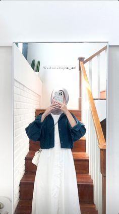 Modest Outfits Muslim, Modest Fashion Hijab, Modern Hijab Fashion, Korean Fashion Dress, Hijab Fashion Inspiration, Fashion Outfits, Moslem Fashion, Fashion Drawing Dresses, Hijab Fashionista