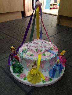 Front of maypole cake