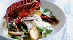 Poached chicken, spinach and radicchio salad