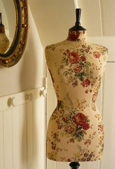(via Inspiration / Corset Laced Mannequins - Home & boutique display | Professionally tailored man)