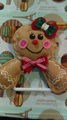 Ada Zuno's media content and analytics Christmas Gingerbread, Felt Christmas, Christmas Snowman, Christmas Time, Christmas Crafts, Christmas Decorations, Christmas Ornaments, Snowman Crafts, Felt Crafts