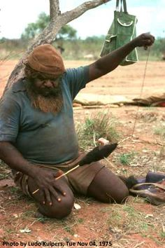 """""""Wirriji"""" or hairstring, spun from human hair, is still used in ceremonies among Western Desert people. The string, spun with a simple spindle rolled on the thigh, is surprisingly strong. Spinning Wool, Hand Spinning, Spinning Wheels, Spin Me Right Round, Aboriginal Art, Aboriginal Culture, Drop Spindle, Art Du Fil, Plant Fibres"""
