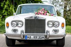 Ein wahrer Engländer auf deutschen Straßen. Diesen unwiderstehlichen Rolly Royce gibts bei special-cars.info Royce, Benz, Antique Cars, In This Moment, Antiques, Vehicles, Vintage Cars, Antiquities, Antique