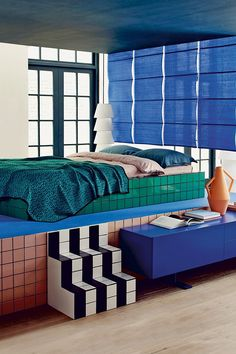 Unusual Tiled Bedroom in Modern Contemporary Bedrooms. A bedroom with platform bed, bright tiles and a graphic scheme. Interior Exterior, Interior Architecture, 80s Interior Design, Home Bedroom, Bedroom Decor, Bedroom Ideas, Bedroom Styles, Master Bedroom, Memphis Design